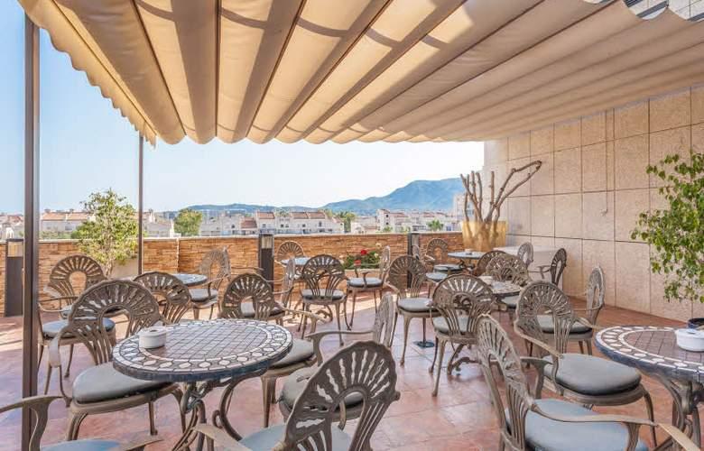 Marina d'Or Hotel 5 Estrellas - Terrace - 9