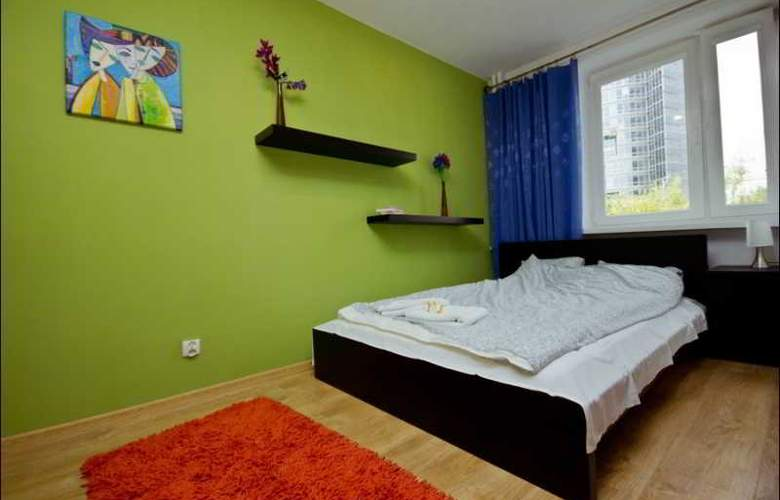 P&O Apartments Emilii Plater - Room - 9