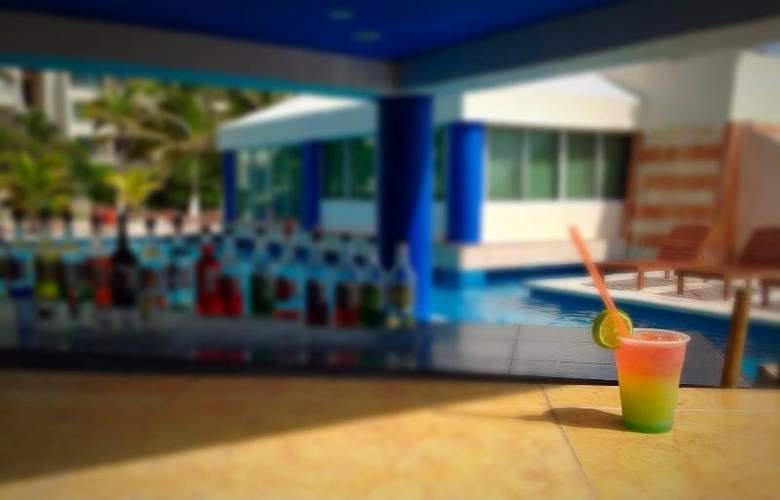 Solymar Beach Resort - Bar - 23