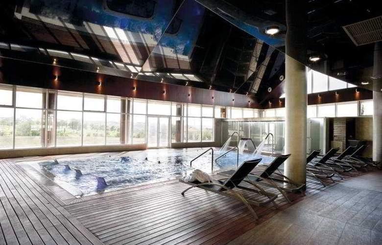 BlueCity Toledo - Pool - 5