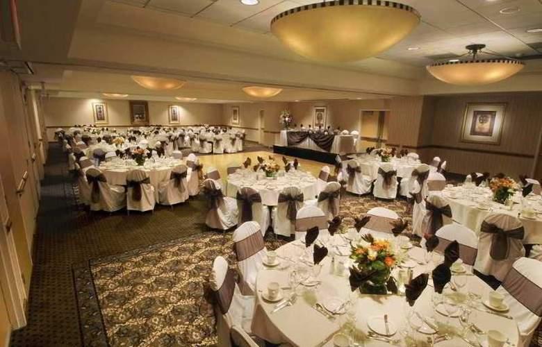 DoubleTree by Hilton Hotel Irvine Spectrum - Restaurant - 9