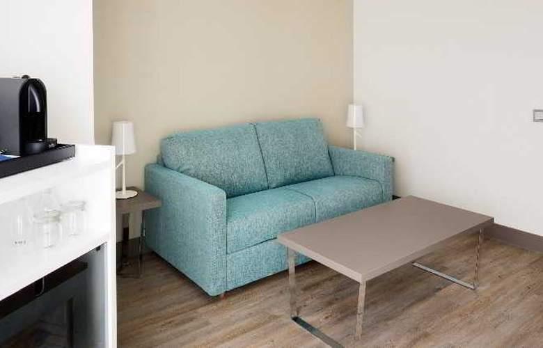 NH Madrid Zurbano - Room - 21