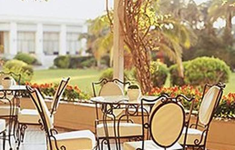 Palacio Estoril Hotel Golf & Spa - Terrace - 11
