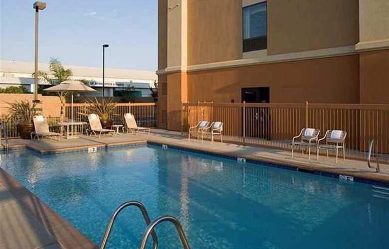 Hampton Inn & Suites Clovis Airport North - Hotel - 2