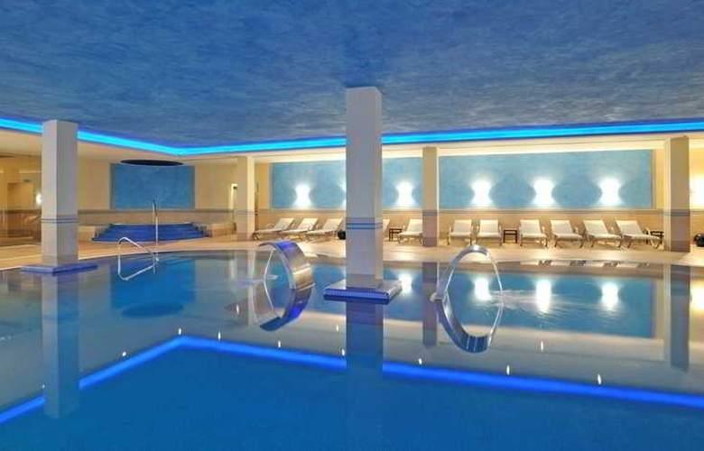 Pestana Viking Resort - Pool - 9