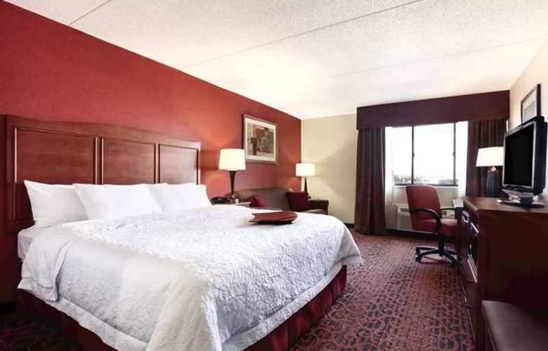 Hampton Inn Frederick - Hotel - 1
