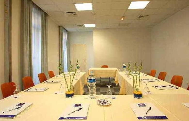 Kyriad Nice Centre Gare - Conference - 4