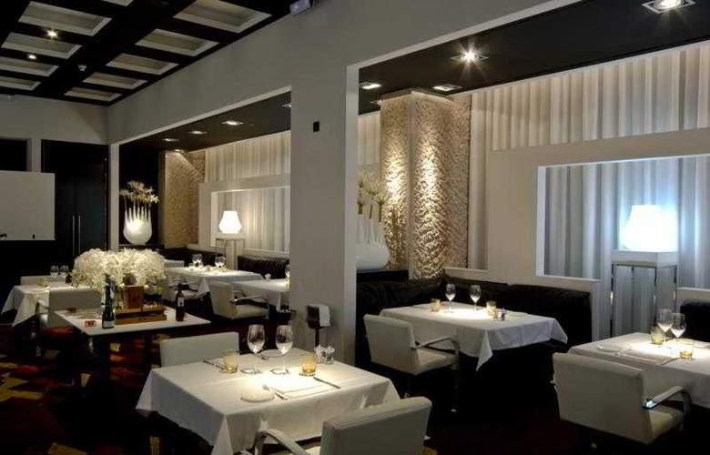 Hilton Madrid Aeropuerto - Restaurant - 5