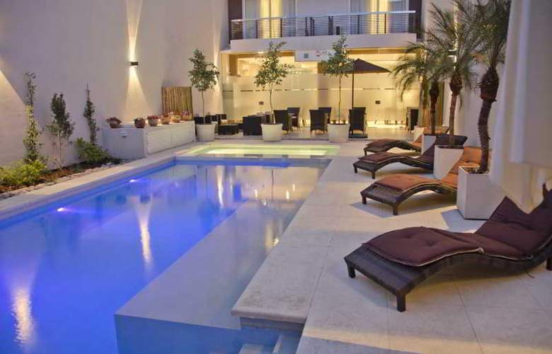 Argenta Suites Belgrano - Pool - 13