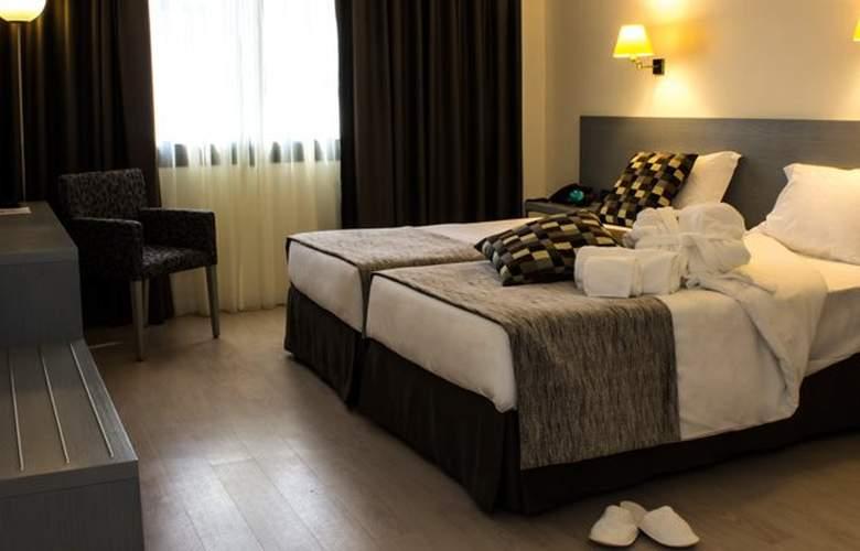 Black Tulip Porto - Room - 8
