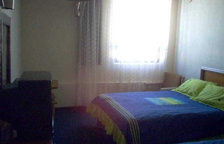 Aristos Puebla - Room - 4