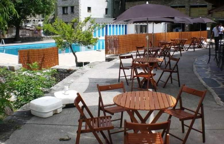 Cosmos Hotel - Terrace - 8