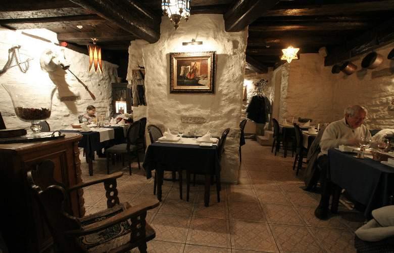 Olevi Residents - Restaurant - 4