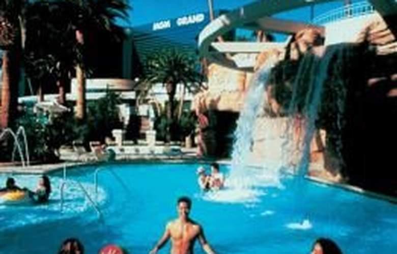 MGM Grand Hotel & Casino - Pool - 6