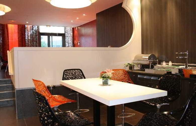 Otelia - Restaurant - 10