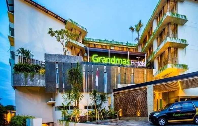 Grandmas Tuban Hotel - Hotel - 0