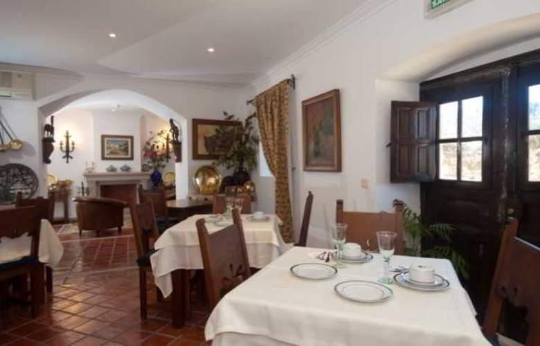 Casa Amarela - Turismo de Habitação - Restaurant - 11