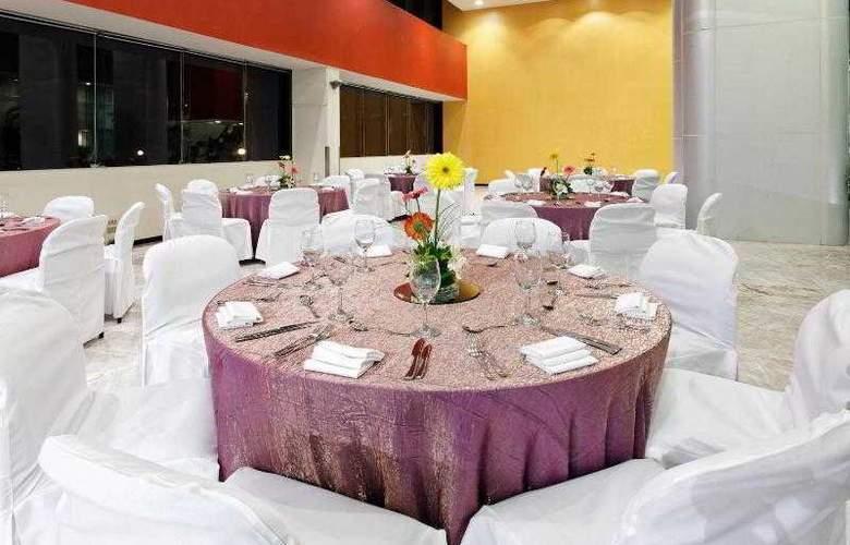 Holiday Inn Monterrey Parque Fundidora - Hotel - 11