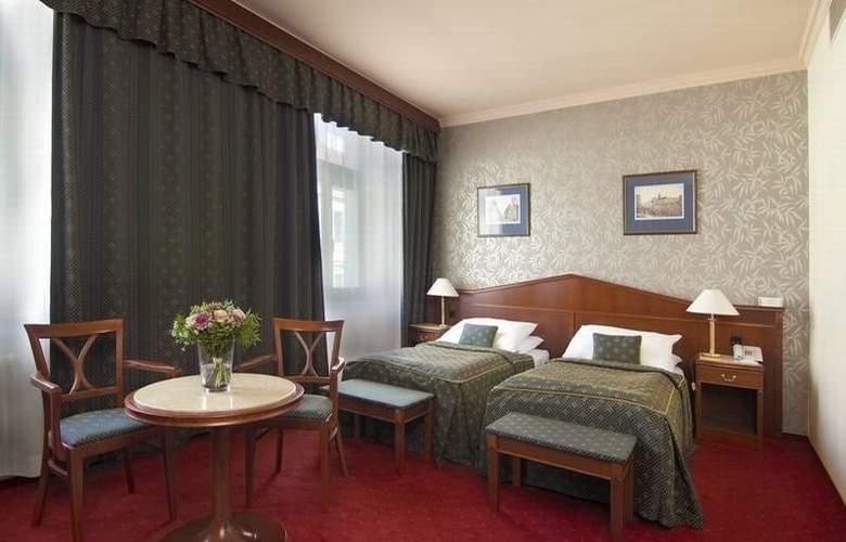 Carlton Hotel - Room - 10