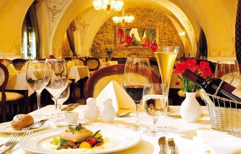 Arcadia - Restaurant - 12