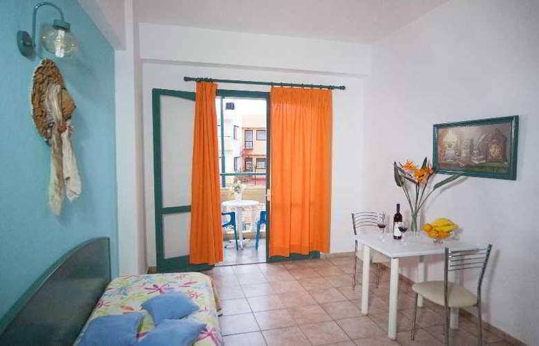Theoni Apartments - Room - 13