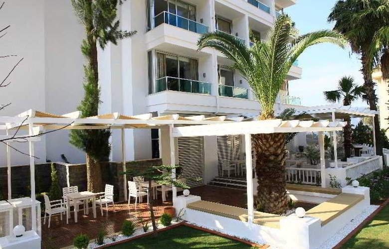 Munamar Beach & Residence - Terrace - 11