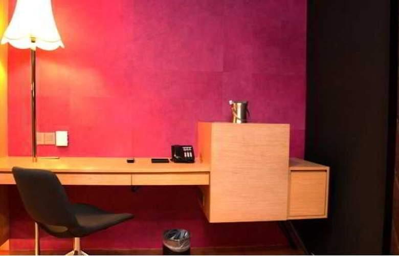WOLO Bukit Bintang Boutique Hotel - Room - 5