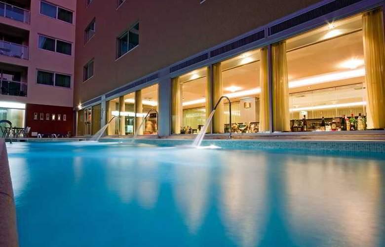 Montegordo Hotel Apartamentos & Spa - Pool - 10