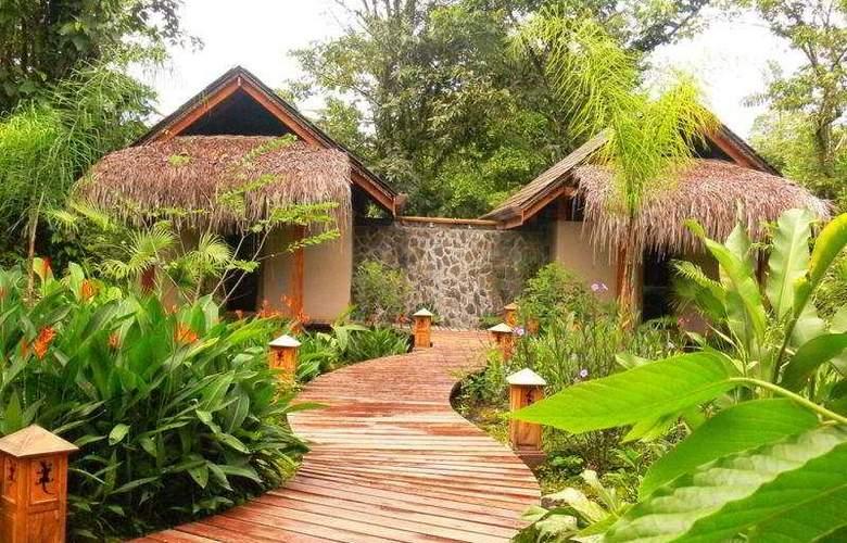 Lost Iguana Resort & Spa - Hotel - 0