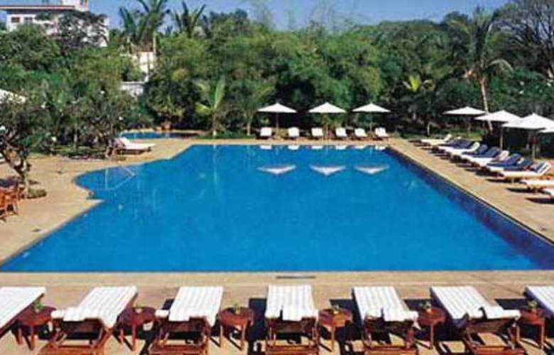 The Leela Palace Kempinki Bangalore - Pool - 4