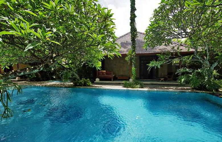 Taman Suci Suite villas - Pool - 20