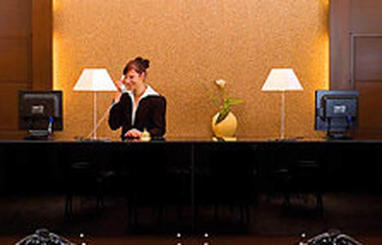 Eurostars Park Hotel Maximilian - General - 1