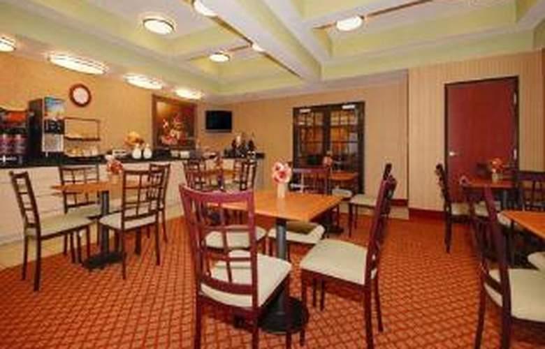 Comfort Inn & Suites At Vance Jackson - General - 3