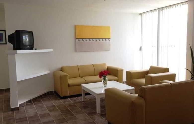 Las Gaviotas Hotel and Suites - Room - 2