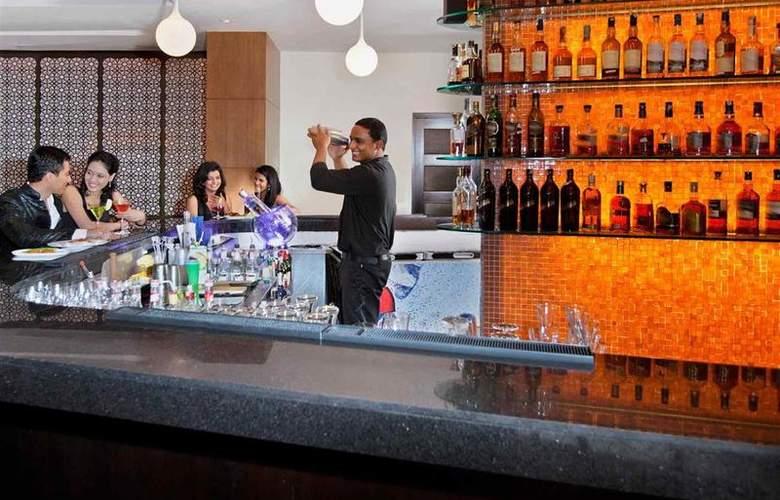 Novotel Hyderabad - Bar - 50