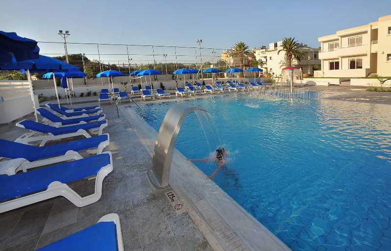 Euronapa Hotel Apartments - Pool - 10
