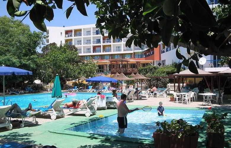 Marina - Pool - 3