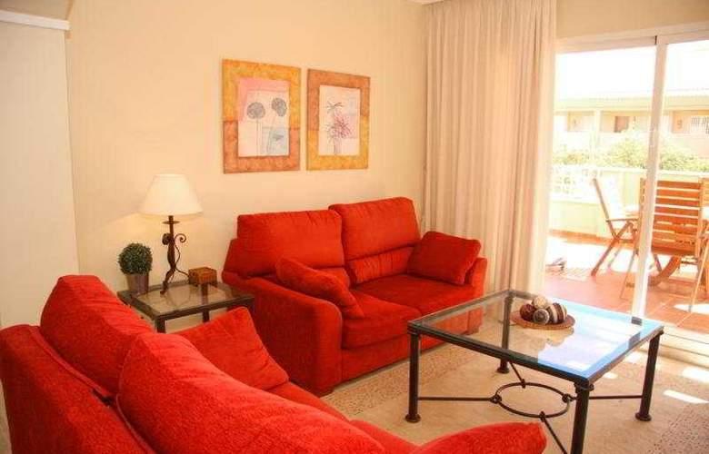Apartamentos Jardines de Santa Maria Golf - Room - 0