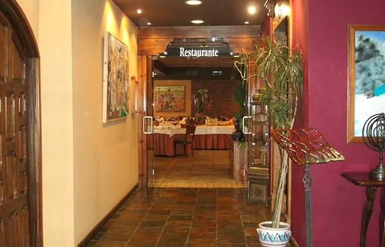 Villa de Sallent 3* - Restaurant - 7