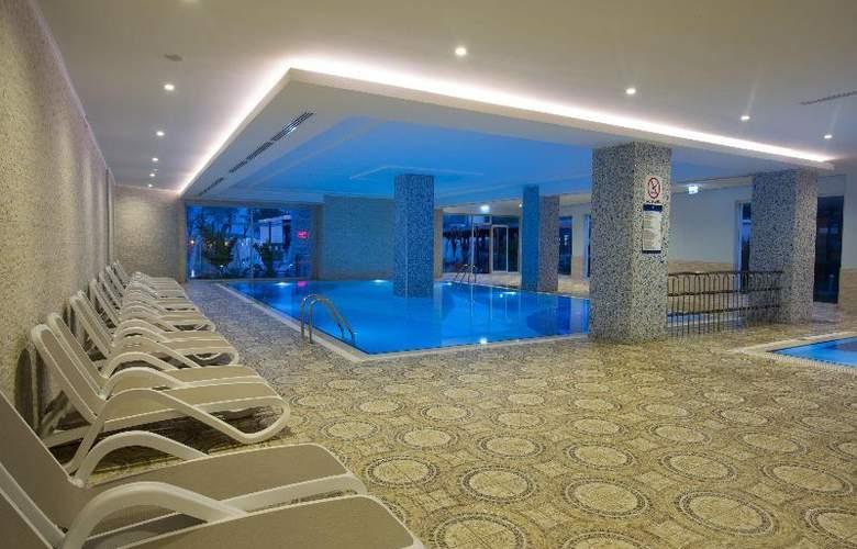 Water Side Delux Resort - Pool - 56