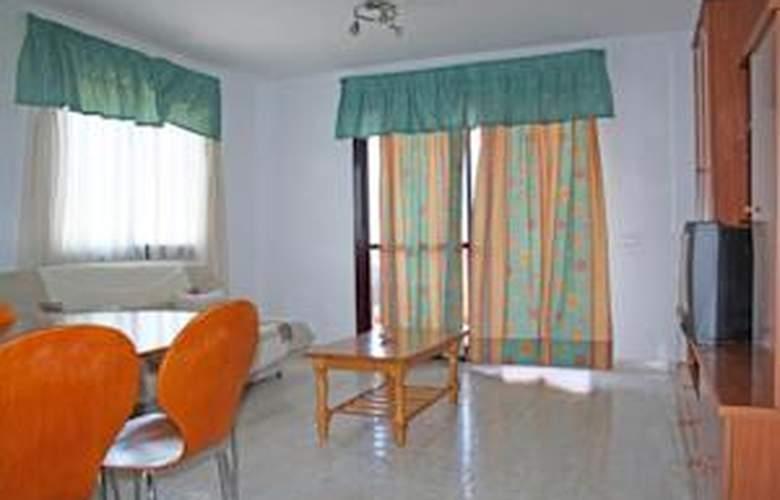 Apartamentos Calpe Clasic 2ª Linea 3000 - Room - 3