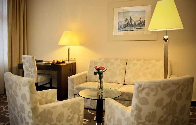 Grand Hotel Bohemia - Room - 8
