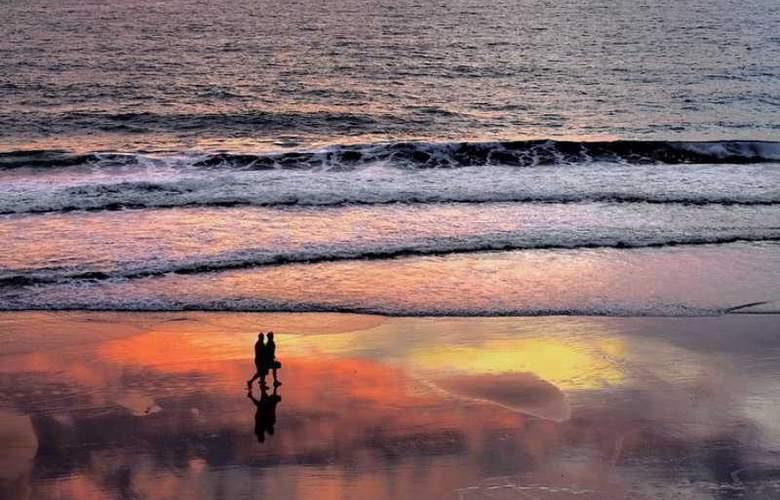 Andaman White Beach Resort - Beach - 14