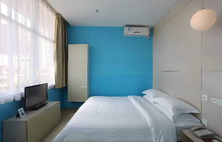 Colour - Room - 0