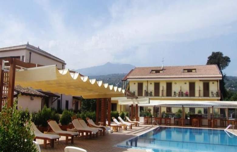 La Terra Dei Sogni Hotel & Farm House - Pool - 14