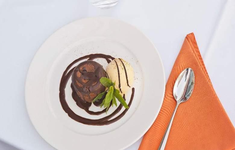 UVE Villa de Alcobendas - Restaurant - 27