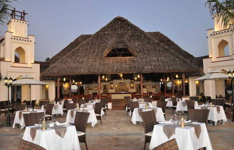 Sea Cliff Resort & Spa - Restaurant - 7