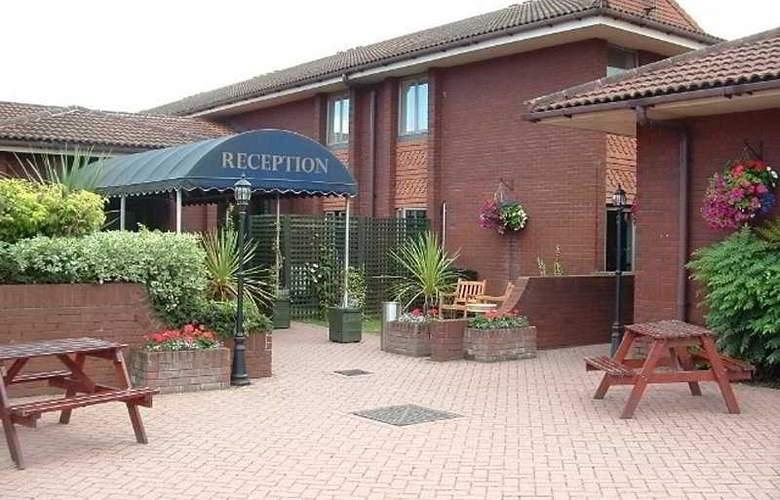 Jurys Inn East Midlands Airport - Hotel - 0
