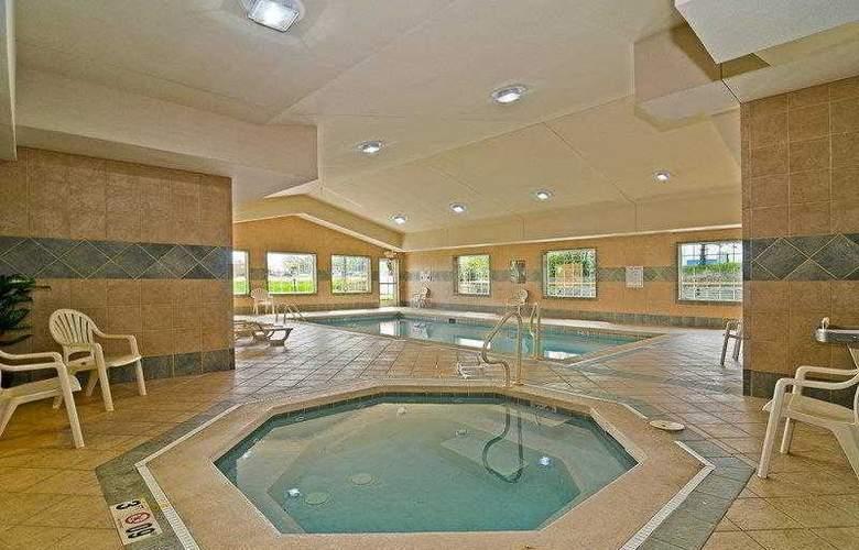 Best Western Executive Inn & Suites - Hotel - 8