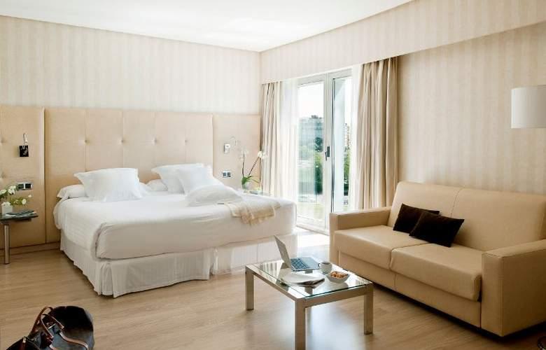 Barceló Sevilla Renacimiento - Room - 14